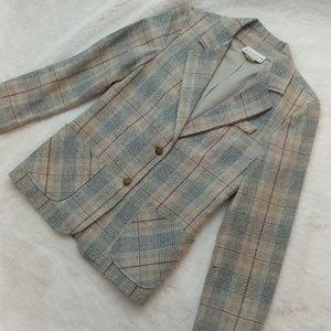 Super cute vintage plaid blazer with pockets